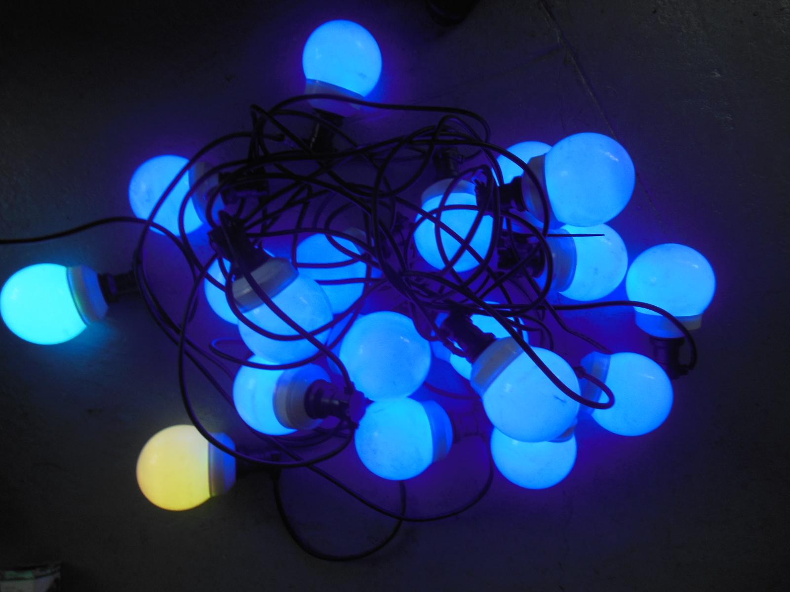 20 meter dikke ledbollen Partytent verlichting - Flevo verhuur
